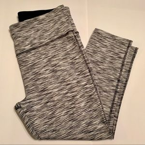 Vogo Capri Leggings Size Large